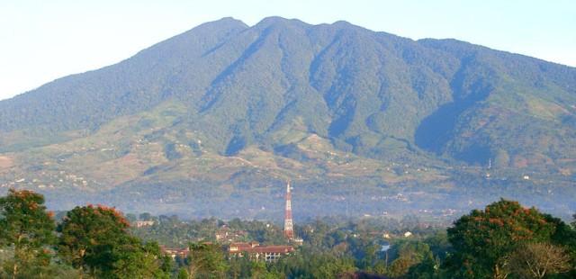 5 Destinasi di Sekitar Gunung Salak yang Asyik