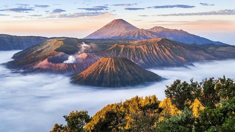 9 Wisata Yang Ada Di Si Cantik Gunung Bromo