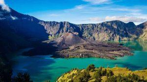 7-gunung-yang-mempunyai-pemandangan-terindah-di-indonesia