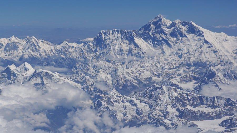 Menjelajahi 7 Gunung Tertinggi di Dunia
