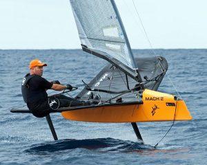Foiling Moth mengambil penghargaan baris dan membuat rekor baru di Mount Gay Round Barbados Race