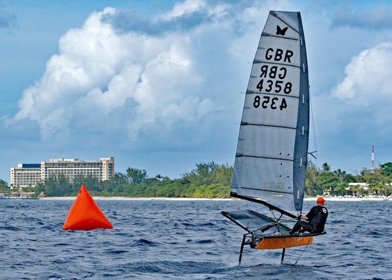 Berlayar spektakuler di Seri Balap Mount Gay Round Barbados